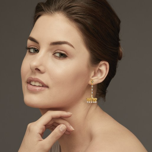 Diamond And White Pearl Earring In Yellow Gold (11.95 Gram) With Diamonds (0.116 Ct)