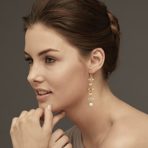 Diamond , Ruby And White Pearl Earring In Yellow Gold (6.41 Gram) With Diamonds (0.100 Ct)